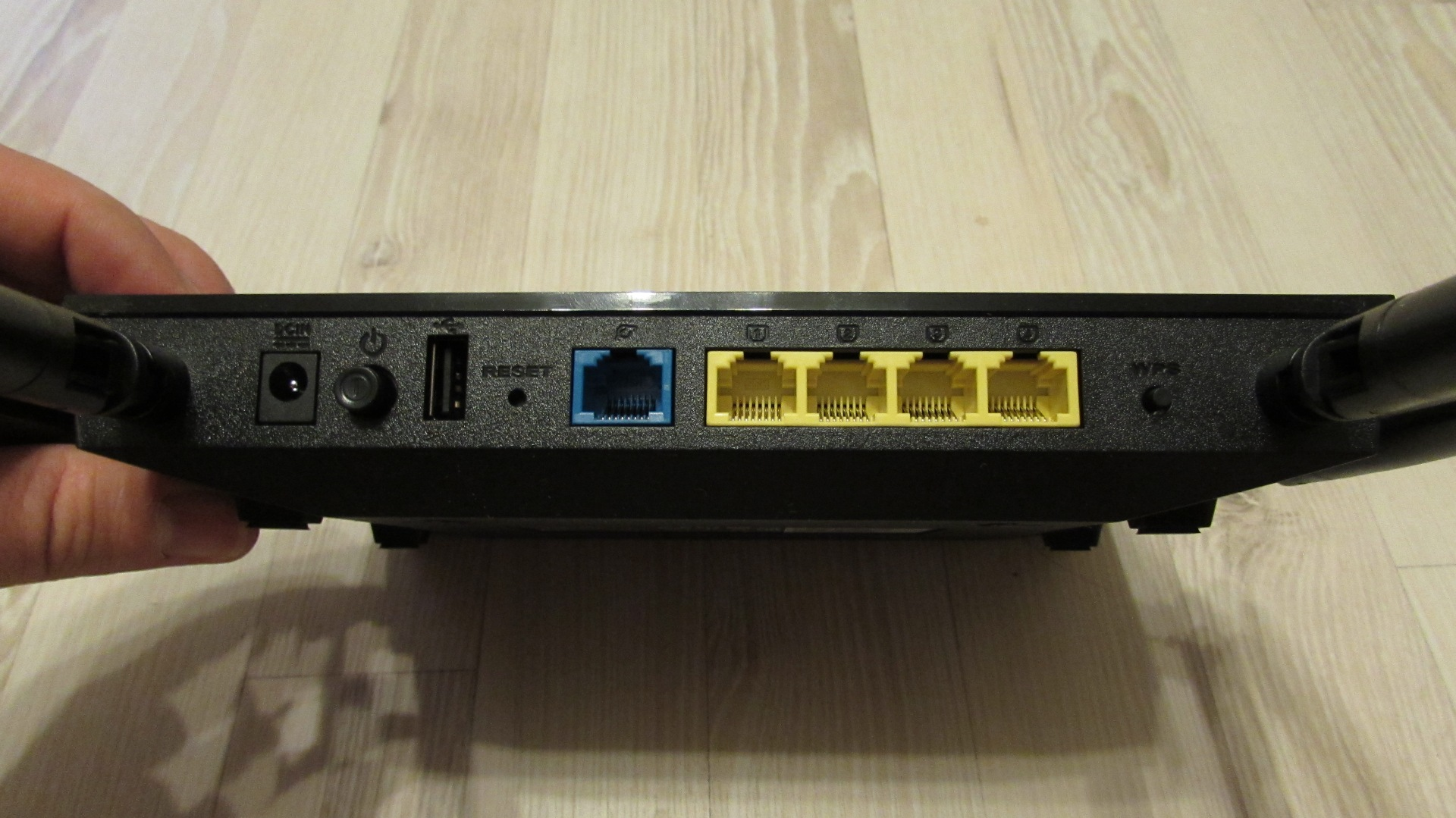 openlinksys.info/images/rt-ac1200g/IMG_0592.JPG
